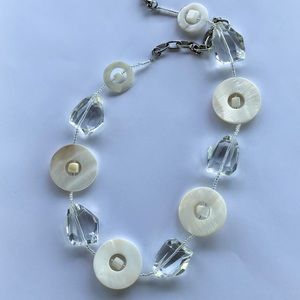 Jewelry - Glass and mother of pearl retro style necklace